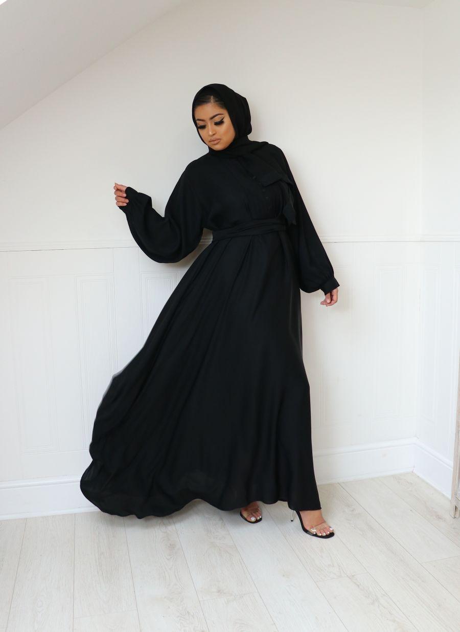 Anaa in Black Flare