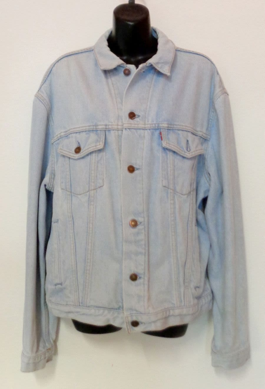 Vintage Mens / Womens Levi Bleach Wash Light Blue Denim Jacket