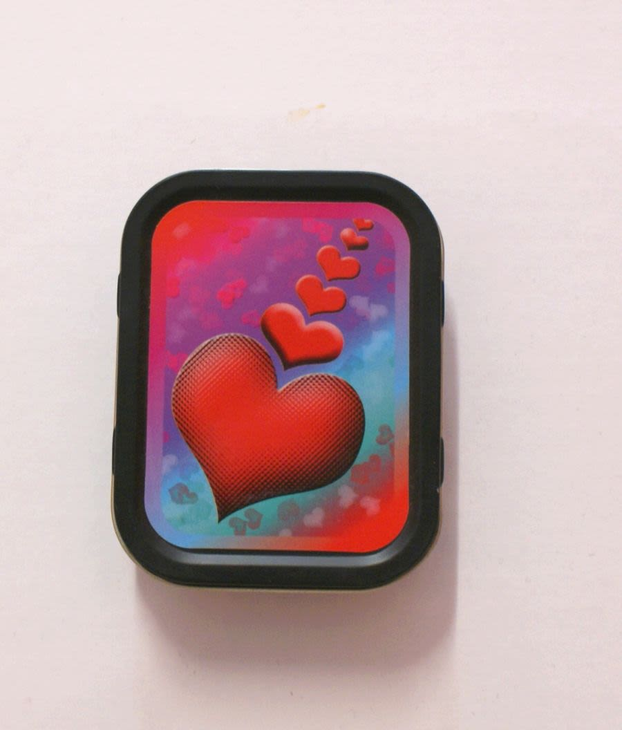 Small Hearts Tin