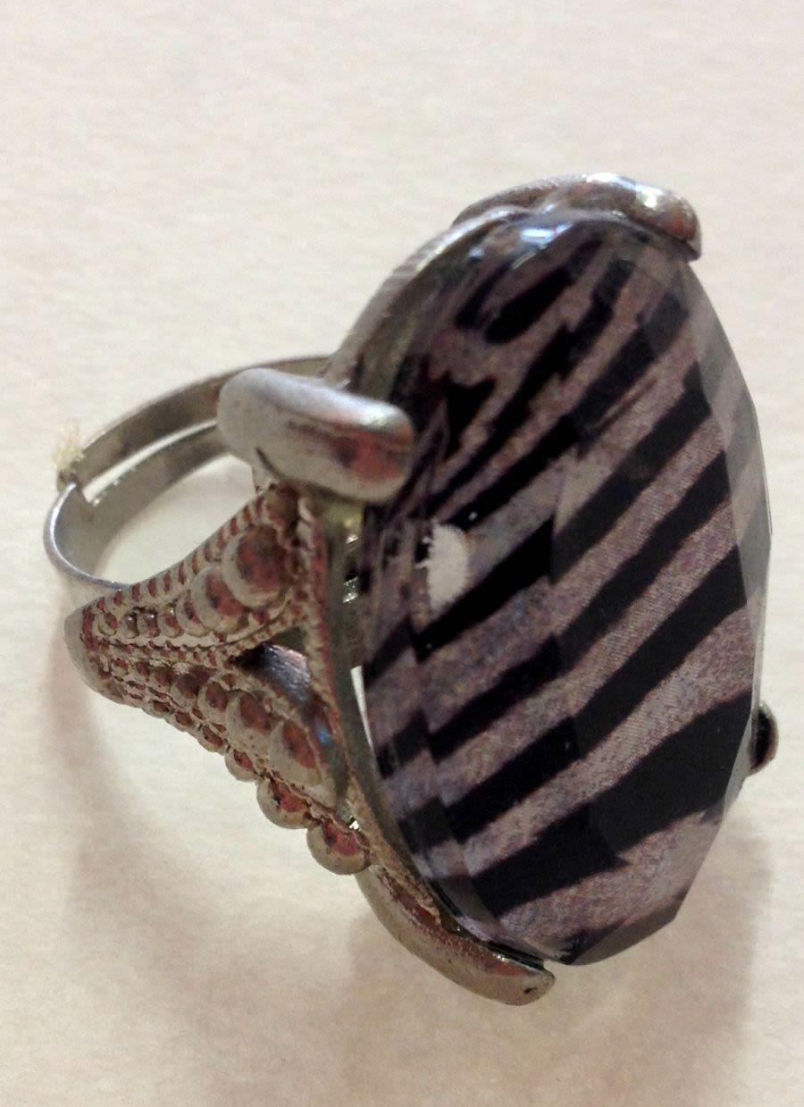 Zebra Print Ring