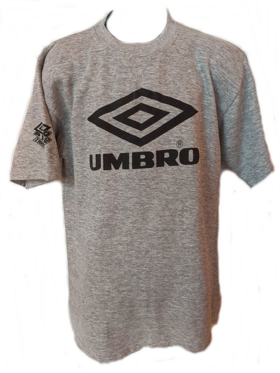 Vintage 90's grey Umbro classic logo sports T