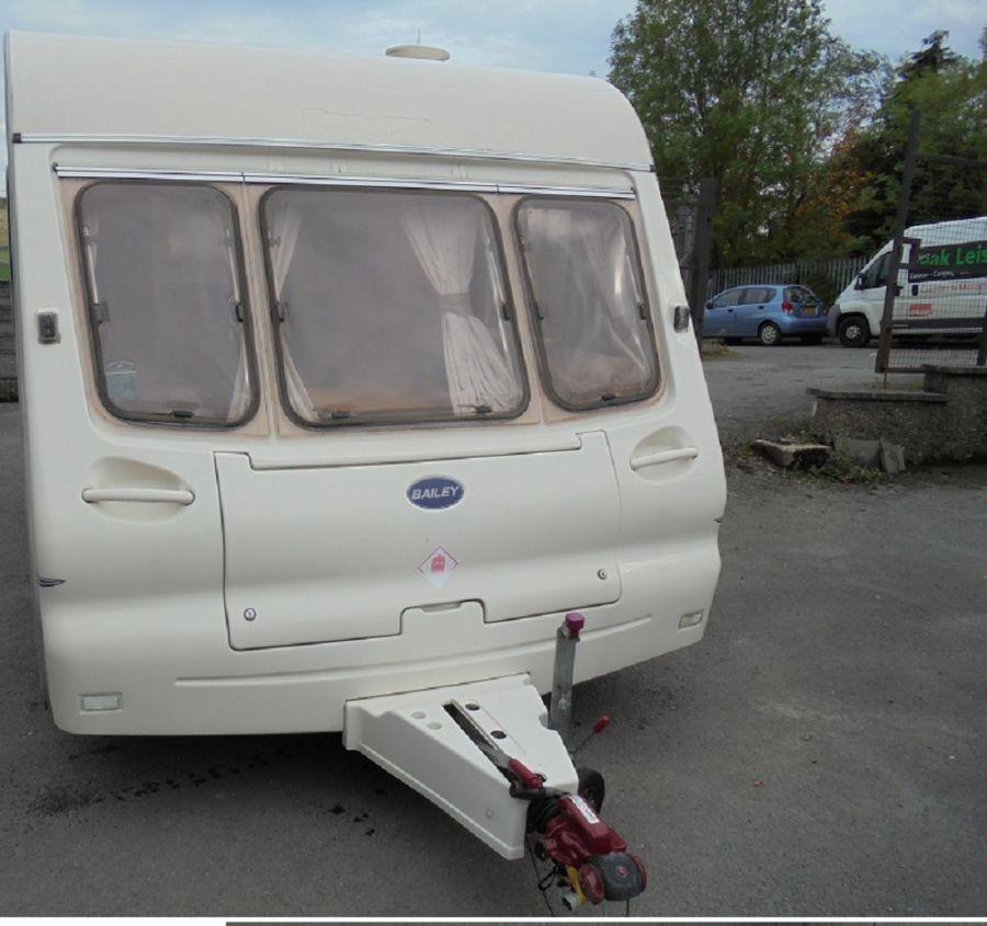Bailey Ranger 380/2  Caravan - 2002