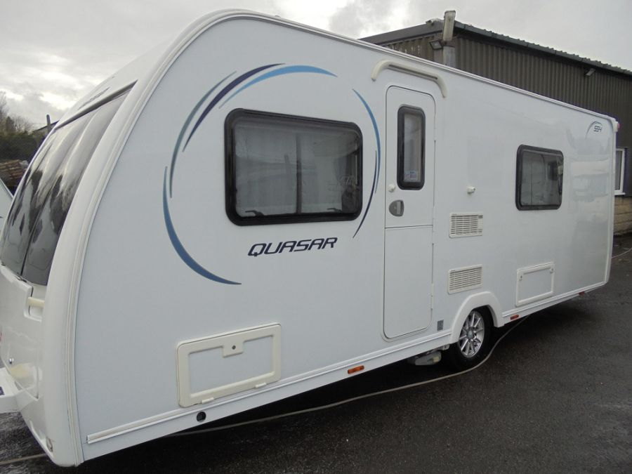Lunar Quasar 554 - 2014 - Fixed Single Beds