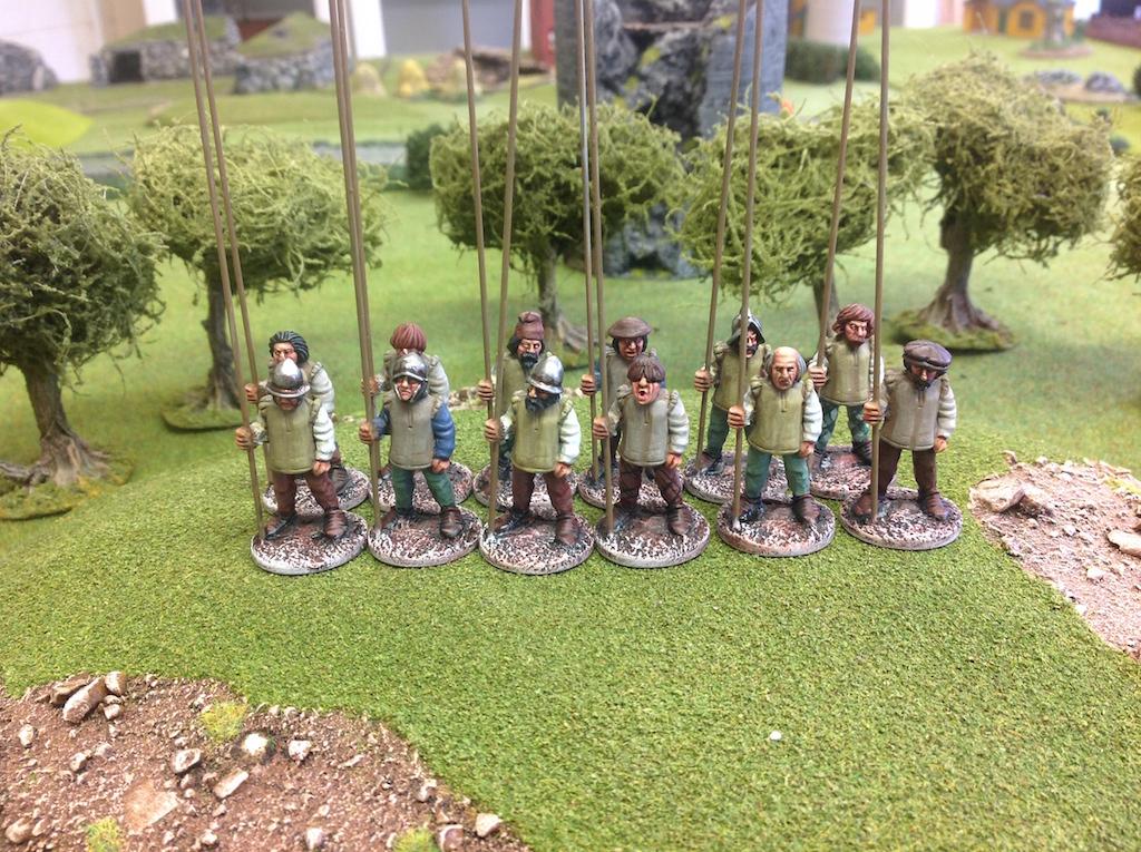 EI17 Irish Kerns with Pikes Up