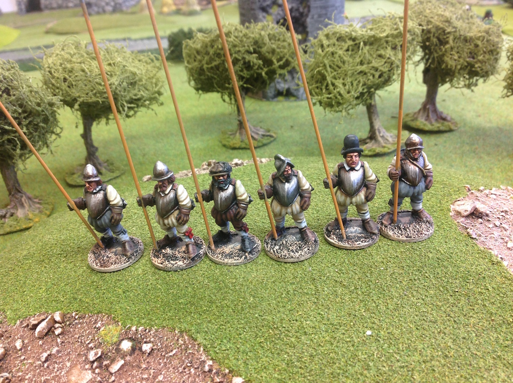 BR14 Garrison Men with Pikes Standing
