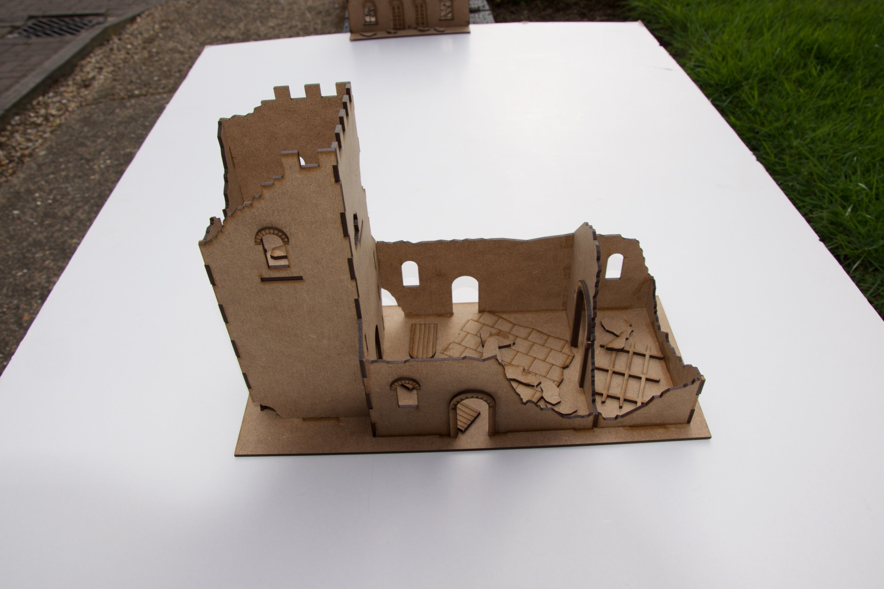28 mm Small Norman Church Ruin