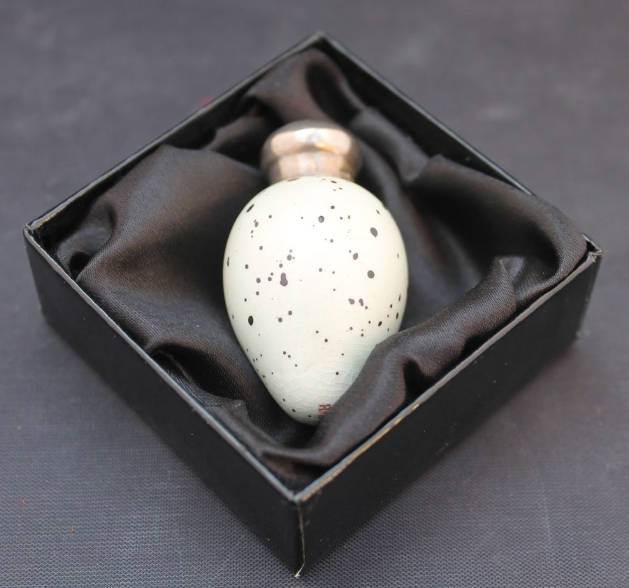 James Macintyre & Co, Sanders & Shepherd, Porcelain Bird's Egg Scent Bottle, B'ham 1888