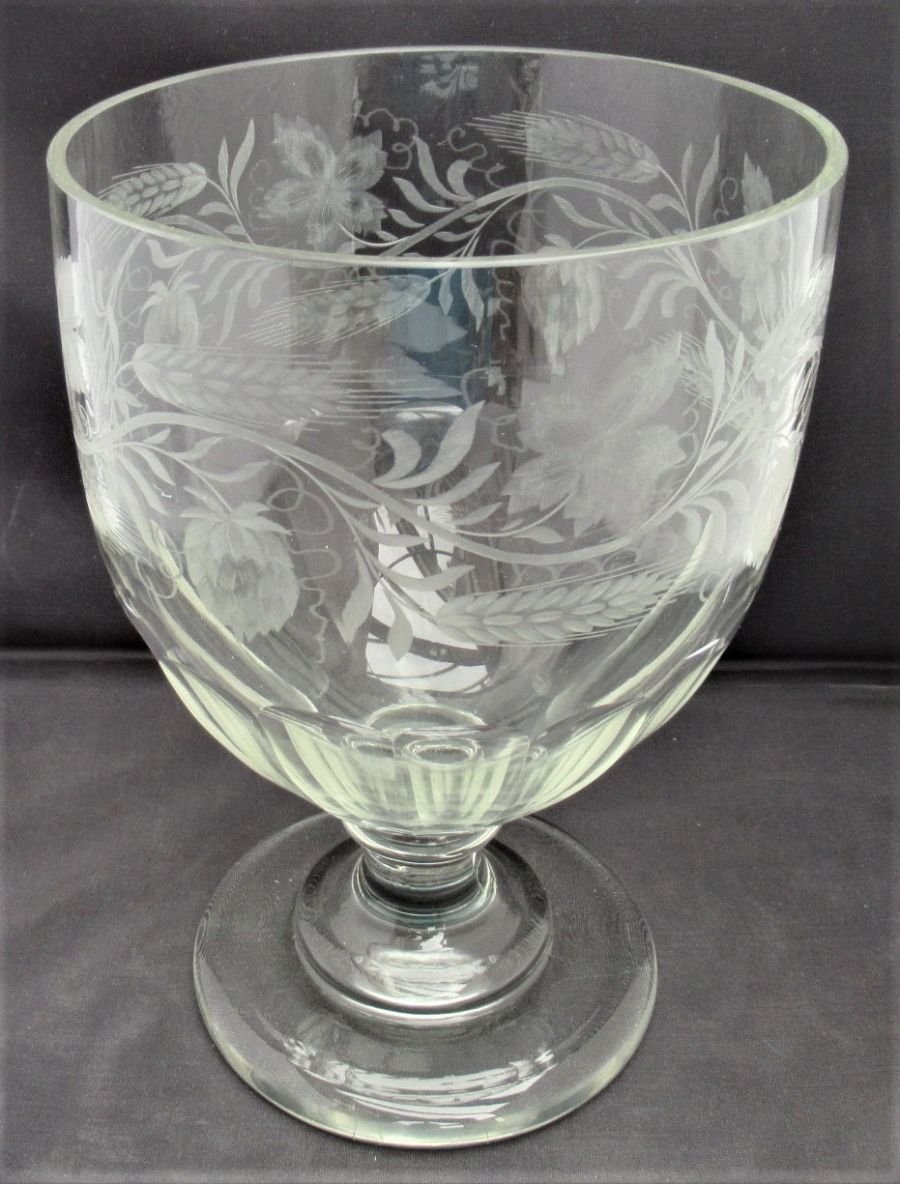Oversize glass rummer or beer glass engraved with hops and barley, c1820
