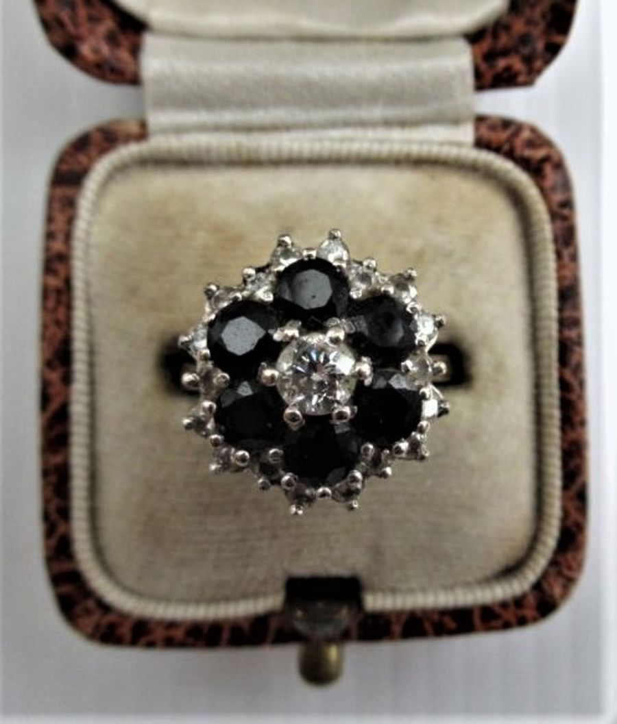 Vintage 18ct Gold, Sapphire & Diamond Cluster Ring