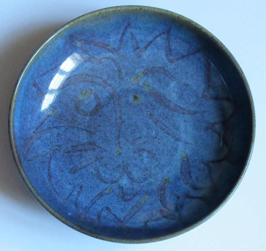 Reginald Marlow studio pottery shallow dish, Chun glaze with lion's head, c1945
