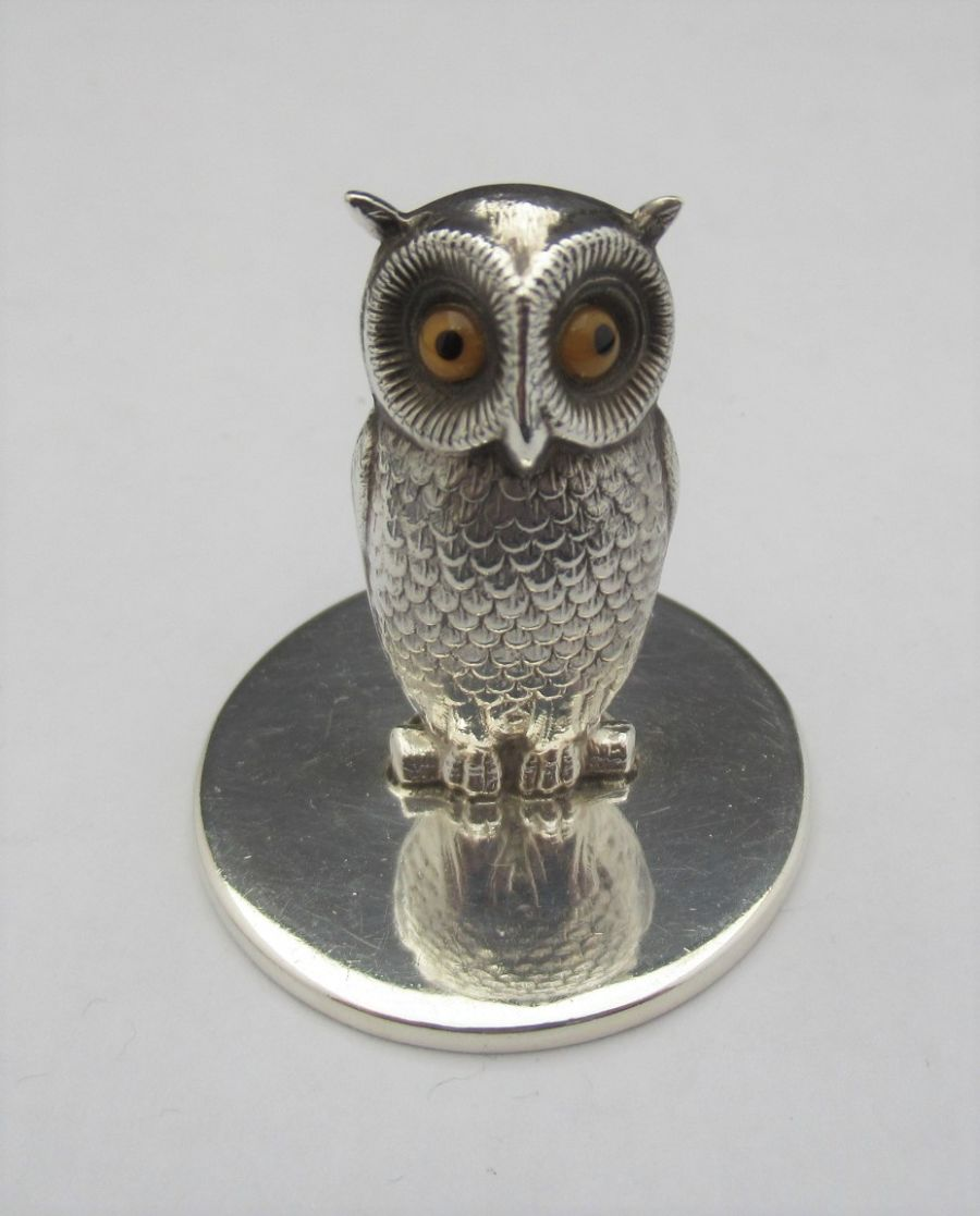 Sterling Silver Novelty Owl menu / card holder, Sampson & Mordan, Chester 1923