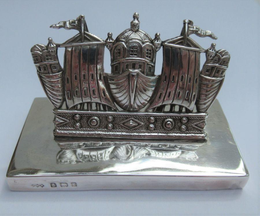 Edward VII, Sterling Silver Royal Navy Crown Menu/Card Holder, John William Barrett, Birmingham 1905