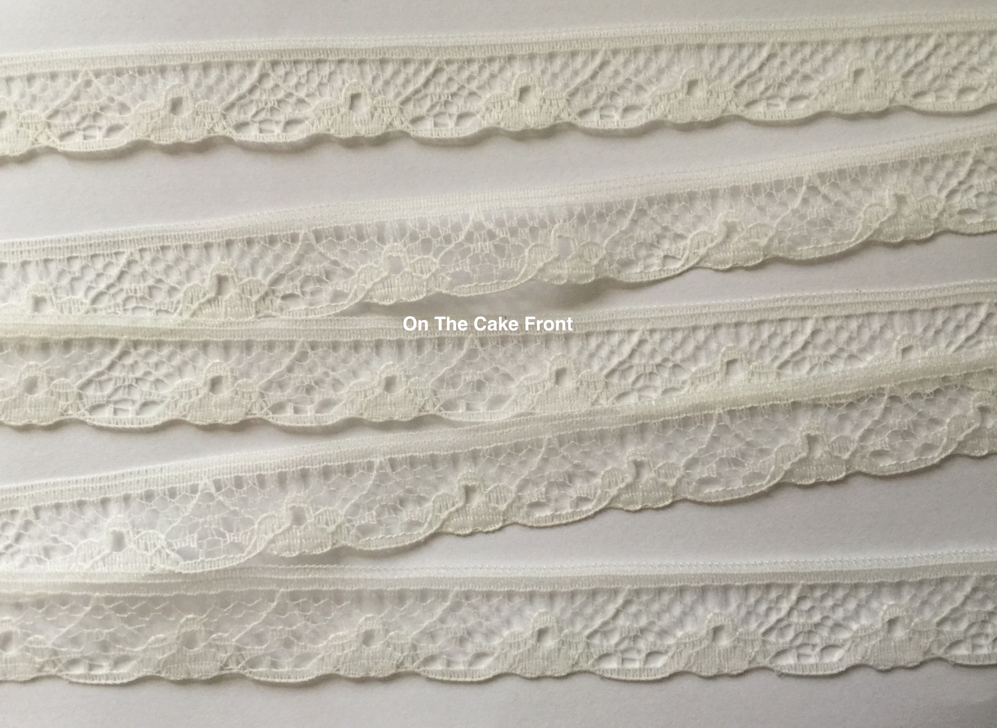 Lace ribbon Ivory 15mm wide vintage style 2 metres