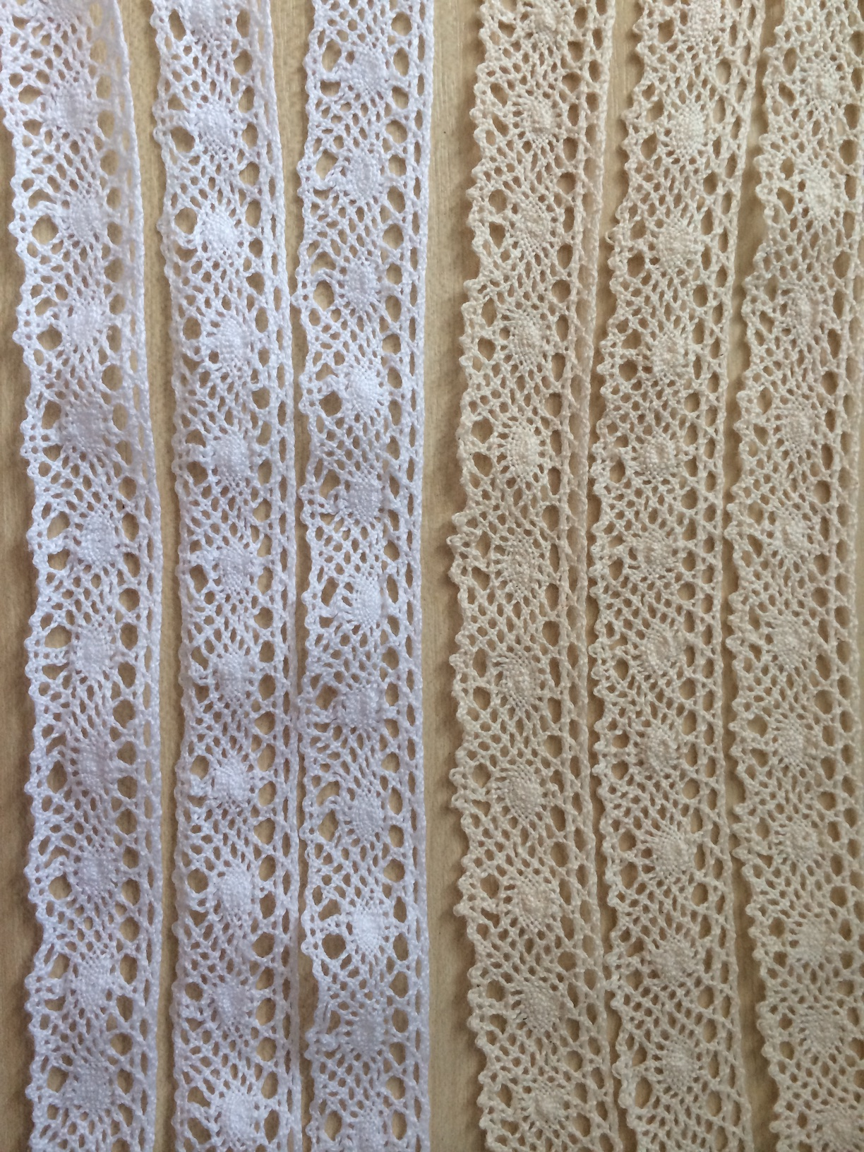 Cotton lace ribbon 20mm wide
