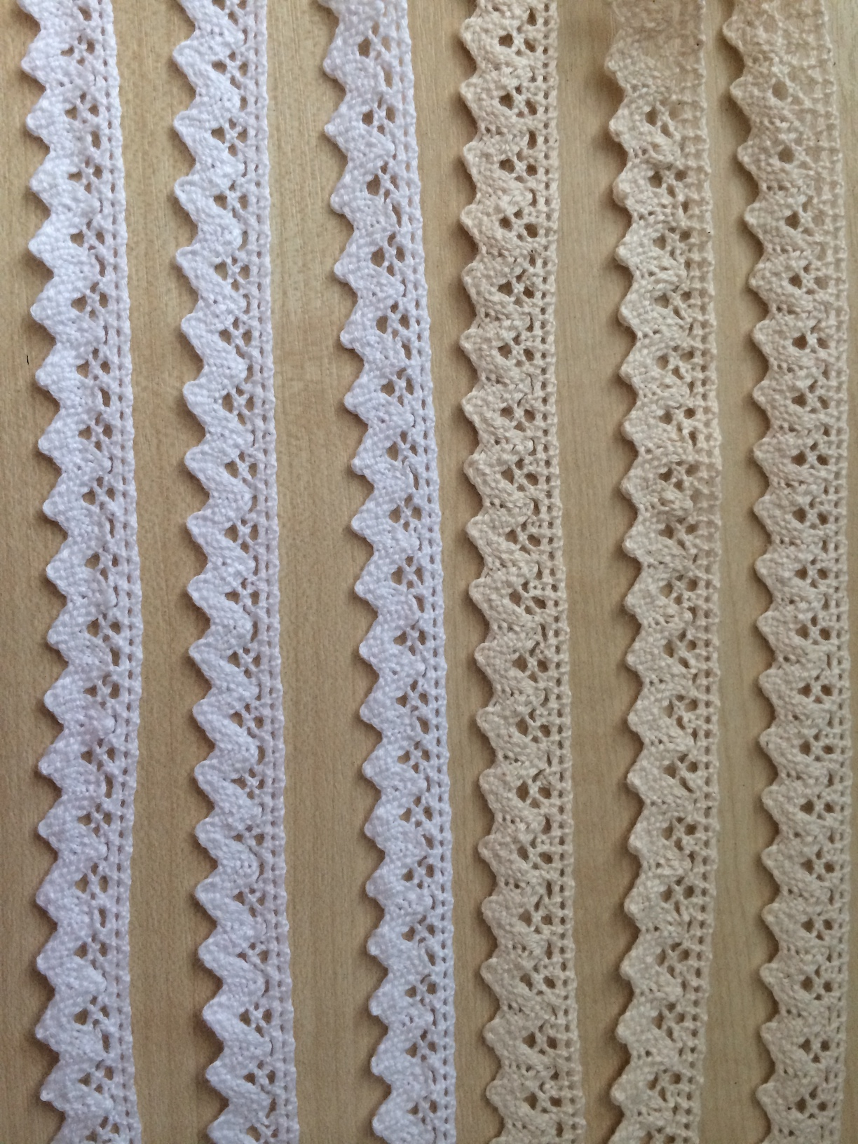 Cotton lace ribbon 15mm wide