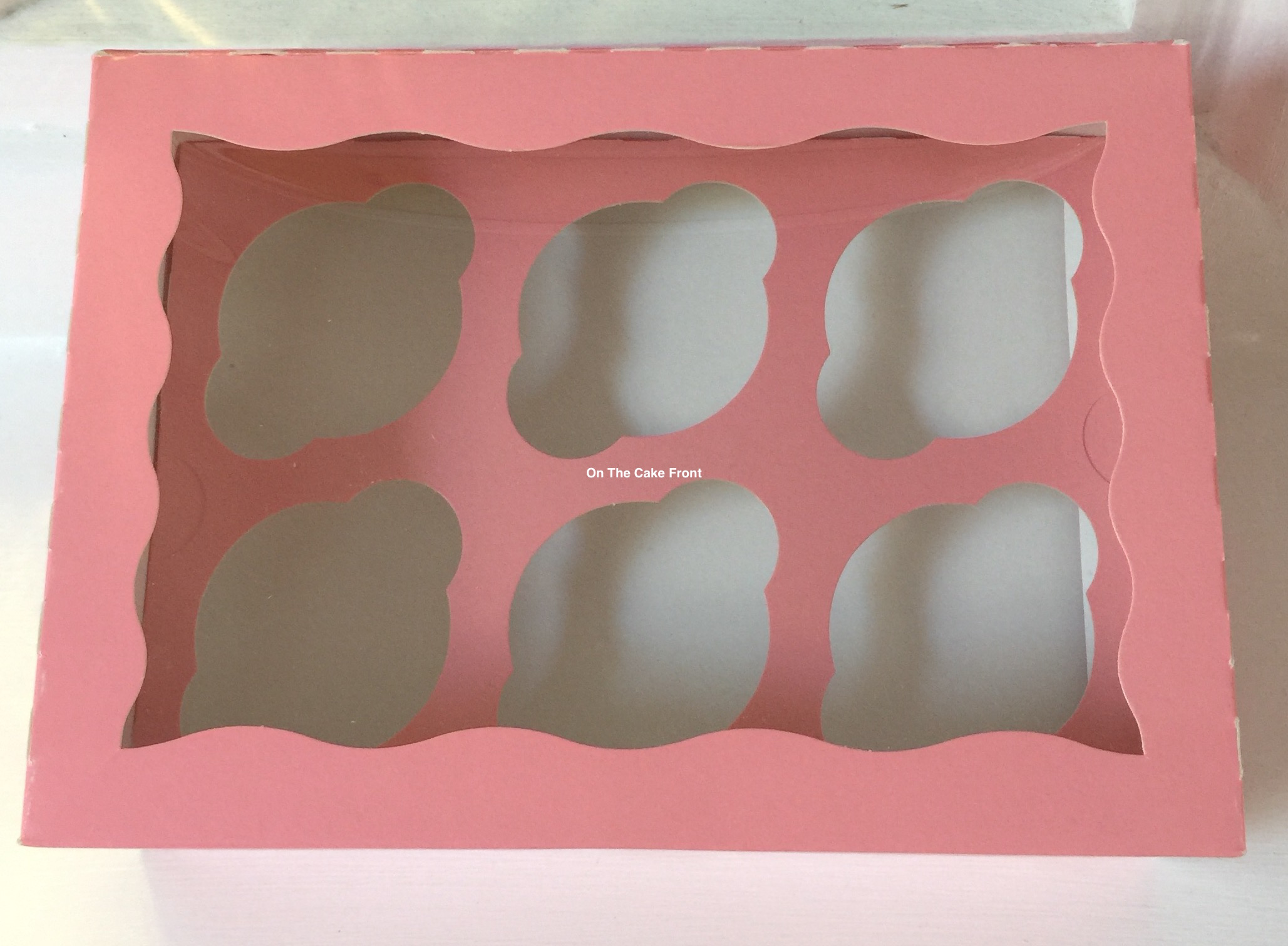 Pink cupcake box holds 6 cakes window insert