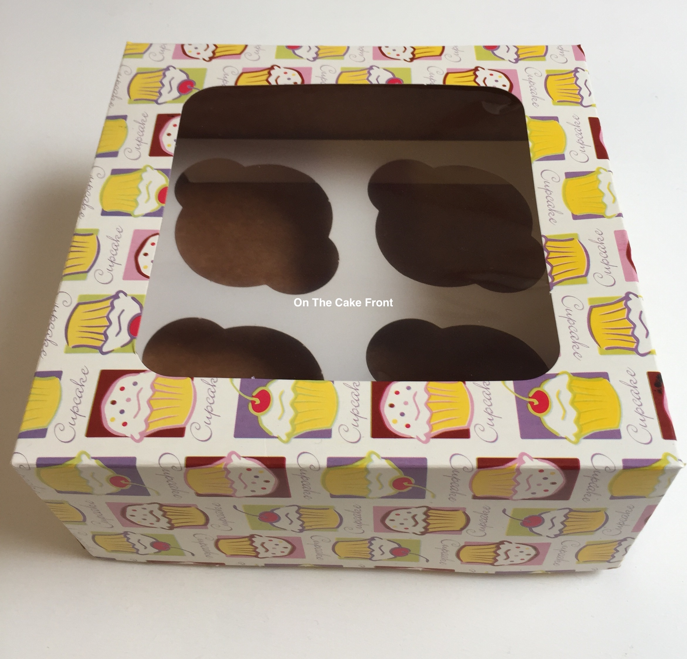 Pattern cupcake design box holds 4 cup cakes