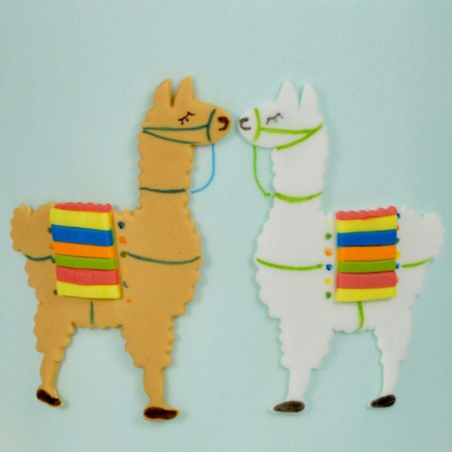 FMM Mummy & Baby Llama cutter - 2 set