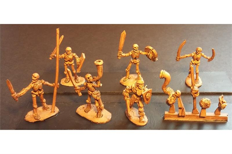 Decian Swordsmen with Shields (35 figures)