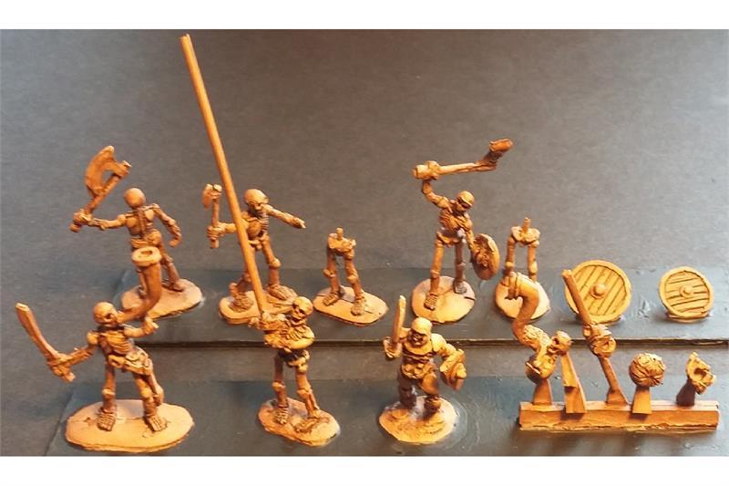 Decian Axemen with Shields (35 figures)