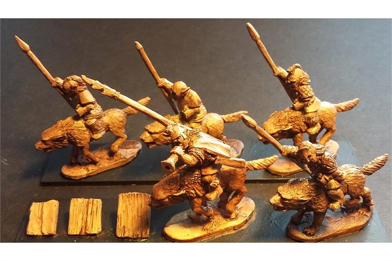 Orcian Wolf Cavalry with Spears Lightly Armored (16 figures)
