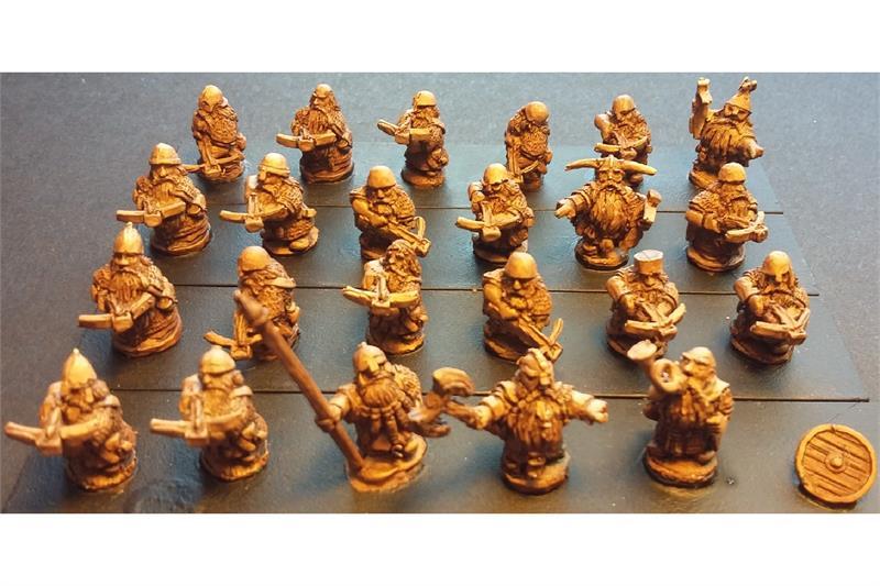 Dwarian Crossbowmen with Shields (35 figures)