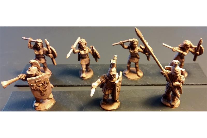 Legian Female Javelineers with Shields (35 figures)