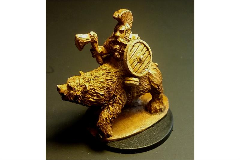 Dwarian Captain on Bear (1 figure)