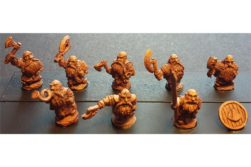Dwarian Shame Bearers with Axes and Shields (35 figures)