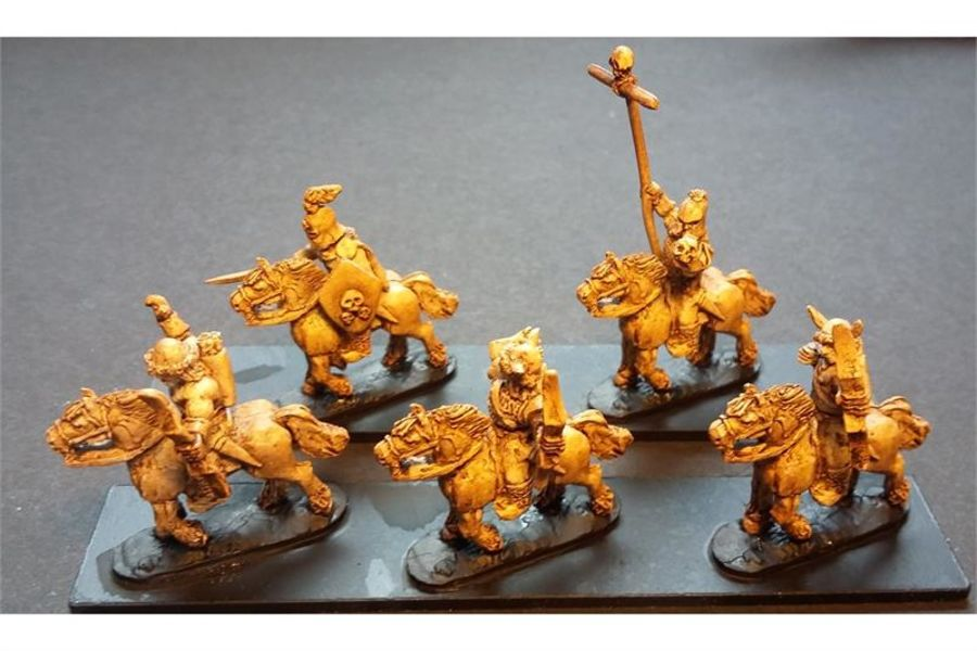 Hellian Cavalry with Bows on Unarmored Horses (16 figures)