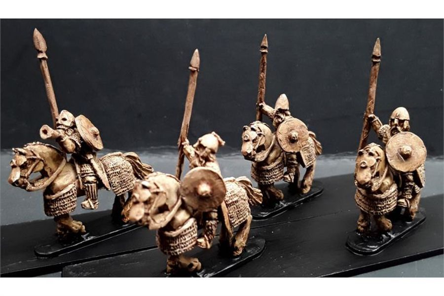 Frigian Cavalry with Spears and Shields Heavily Armored Horse (16 figures)
