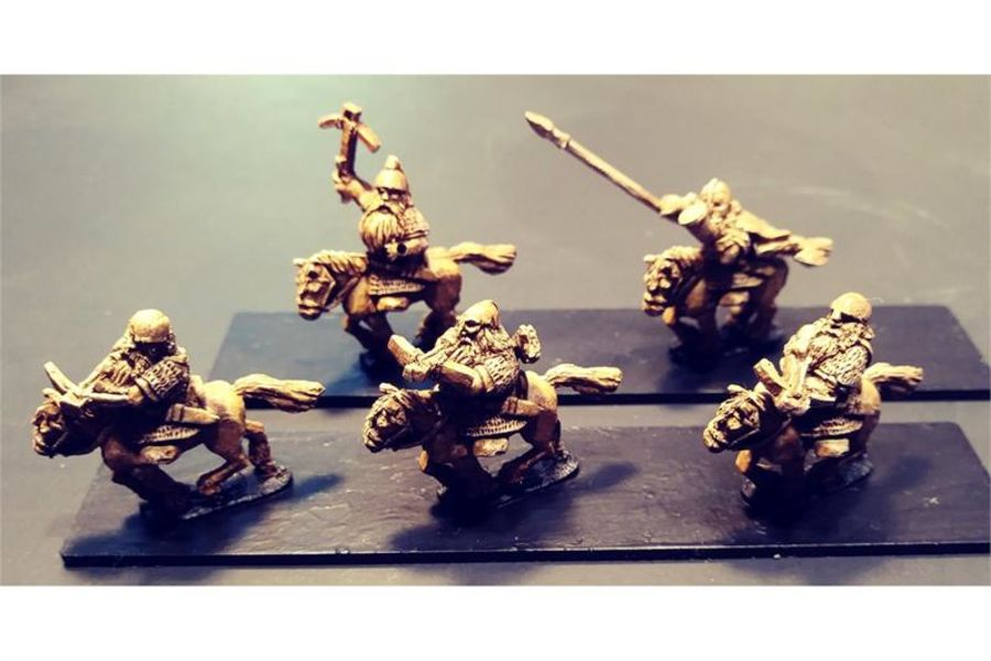 Dwarian Cavalry with Crossbows on Ponies (16 figures)