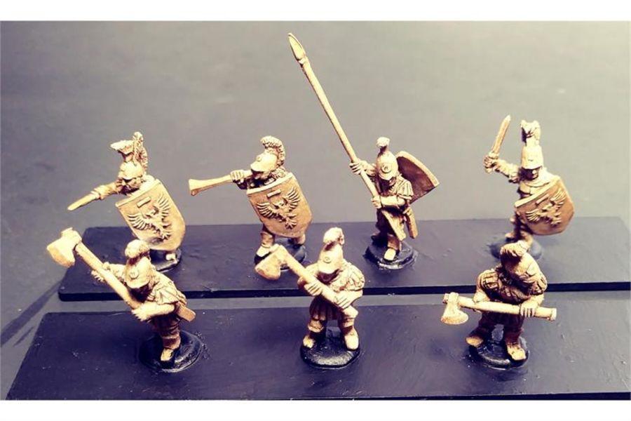 Legian Double Handed Axemen (35 figures)