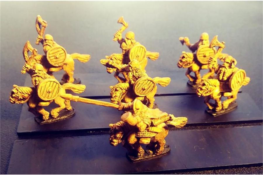 Dwarian Pony Cavalry with Axes and Shields (16 figures)
