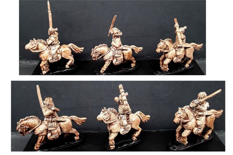 Mounted Bandits with Various Weapons (6 figures)