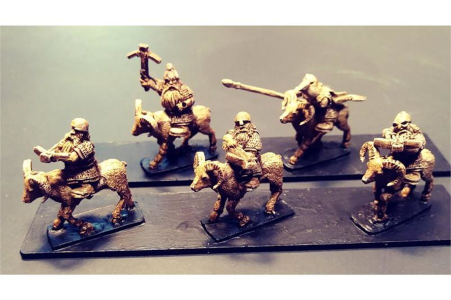 Dwarian Cavalry with Crossbows on Rams (16 figures)