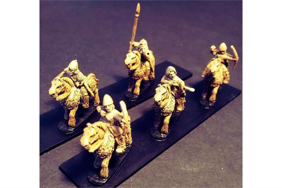 Frigian Cavalry with Bows on Lightly Armored Horses (16 figures)