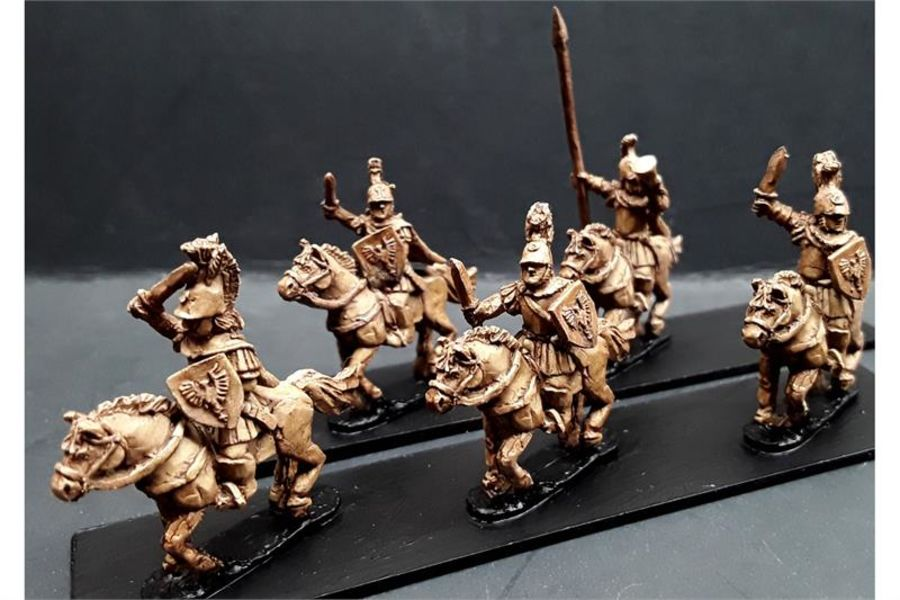 Legian Cavalry with Swords & Shields on Horses (16 figures)