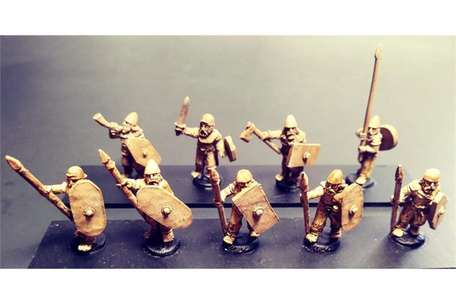 Barbarian Spearmen with Shields (35 figures)