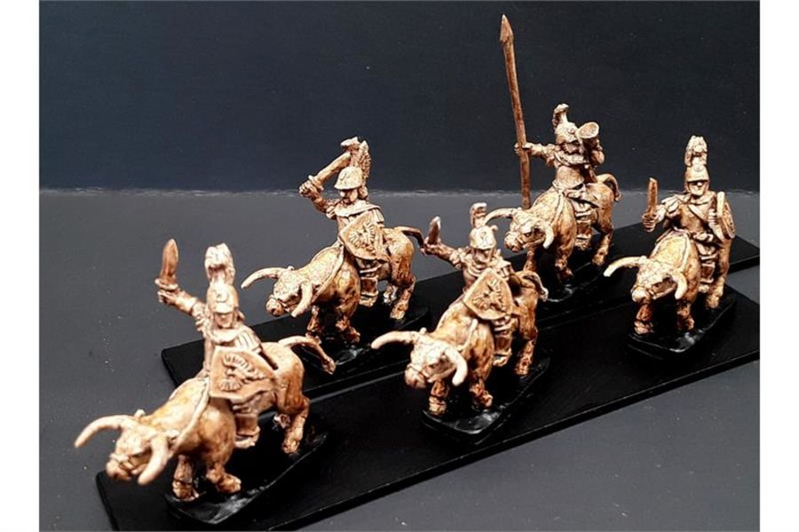 Legian Cavalry with Swords & Shields on Unarmored Bulls (16 figures)