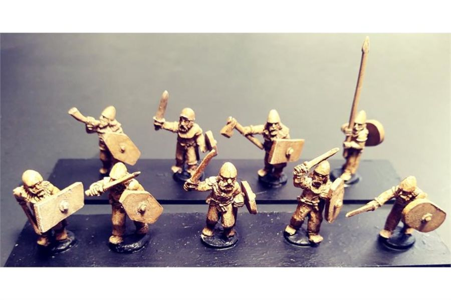 Barbarian Swordsmen with Shields (35 figures)