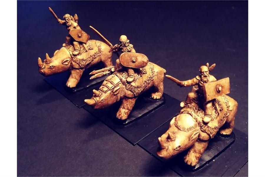 Barbarian Tramplers (3 figures)