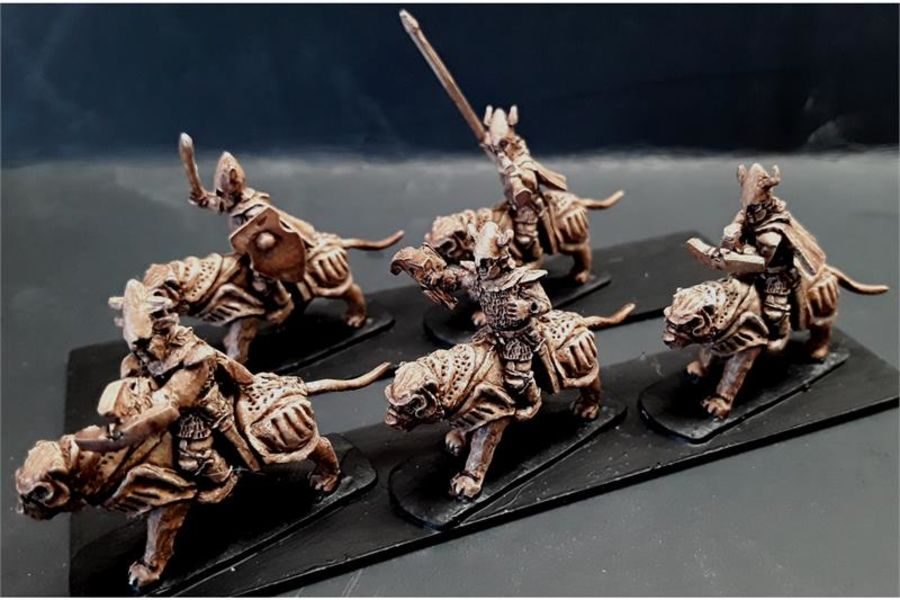 Delvian Cavalry with Crossbows on Heavily Armored Tigers (16 figures)