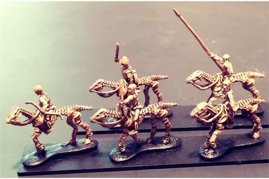 Decian Cavalry with Bows (16 figures)