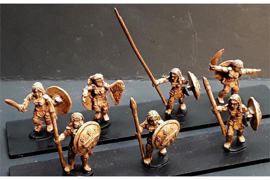 Amazonian Spearwomen with Shields (35 figures)