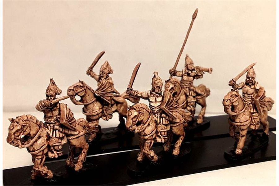 Vampirian Cavalry with Swords & Shields on Lightly Armored Horses (16 figures)