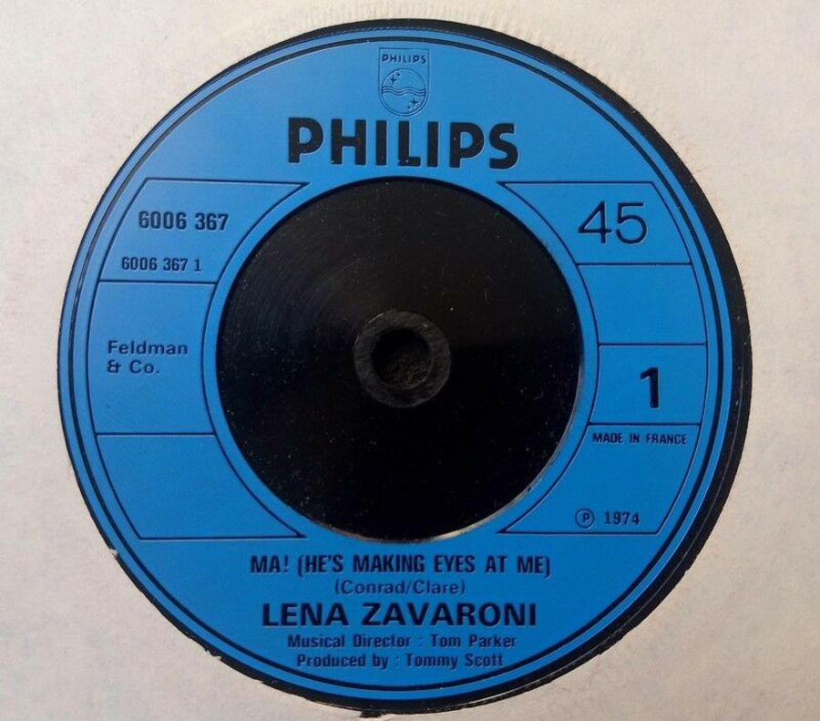 Lena Zavaroni - Ma! He's Making Eyes At Me - 7