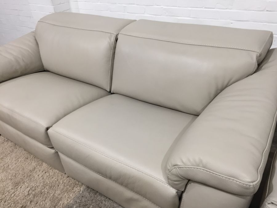 Ex Display Natuzzi Sensor Electric Recliner 3 Seater Sofa