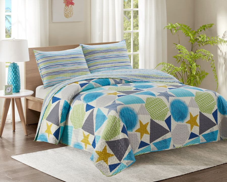 Double Bed Quilted Bedspread with Blue and Green Shapes