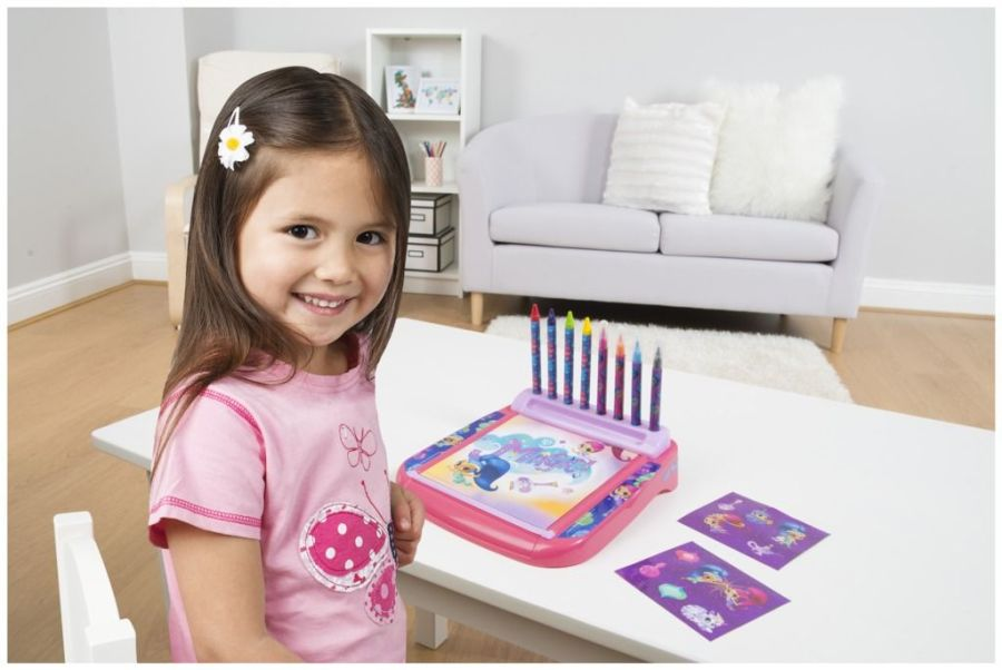 Shimmer and Shine Deluxe Roll & Go